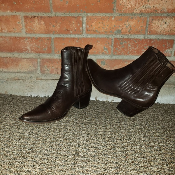 8aa8f63ce9d Guess Ankle Cowboy Boots - Snip Toe - 8